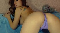 Redhead Tatted Babe Makes Herself Cum on Cam wi...