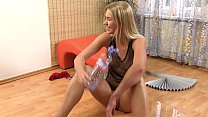 Watersports babe drenches self in pee