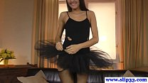 Amateur ballerina babe receives a gape shot