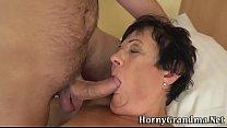 Granny gets cum in mouth Vorschaubild