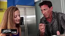 Step daughter Marissa Mae helps step dad by banging Vorschaubild