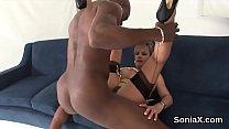 Adulterous british milf lady sonia flaunts her huge boobies Vorschaubild
