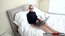 Big ass blonde milf discovers her son watches stepmom porn - 69VClub.Com