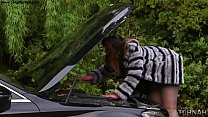 British BBW Paige Turnah Does Anything For Stranger To Help Fix Her Car - 69VClub.Com