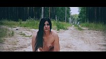 Hot Russian pussy walks naked in a forest park !!!