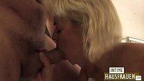 Blonde Milf shaved pussy Vorschaubild
