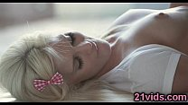 Lovely blonde Candee Licious passion fuck صورة