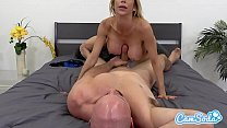 Alexis Fawx big tits hot sexy MILF fucking young ripped stud. Vorschaubild