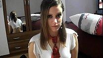 Morbosa chica de 18 años haciendo una mamada