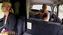 Female Fake Taxi Tattooed guy makes sexy blonde horny Vorschaubild