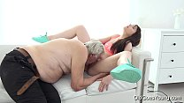 Old Goes Young - Luna Rival gets fucked while she vacuums the rug Vorschaubild