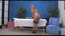 Красивые девушки занимаются сексом на массаже
