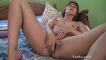 Hottie With Meaty Lips Amber Masturbating