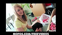 Teen GF takes a break from packing boxes to be stuffed with cock