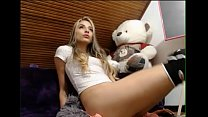 Girl squirting her pussy live Thumbnail
