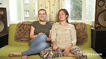 Amateur Lesbians Tamara and Sophia Get it on Vorschaubild