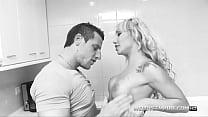 Ginger Hell & Big Boy, follada en la cocina! - Download mp4 XXX porn videos