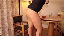 me masturbo, mientras se baña mi mama. by weedhotsama - 9Club.Top