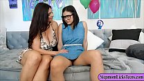 Mindi Mink and Violet Starr pleasuring
