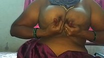unsatisfied Indian mom pussy oozing pornhub video