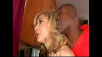 Nina Hartley dando para o fugitivo Negão