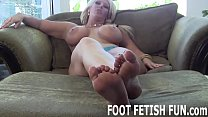 My feet should be worshiped