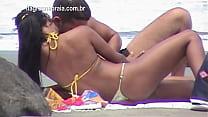 Casal fazendo sexo na praia publica. Morena novinha gostosa preview image
