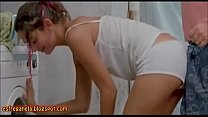 Sexo con amor - Encoxada lavando roupa ((EsfregaNela.blogspot.com)) thumbnail