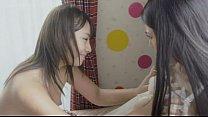 兩女床上磨豆腐