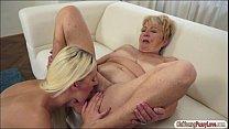 Blonde cutie Lilla eat granny Malyas old hairy pussy and ass Vorschaubild