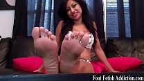 Suck on my delicious size 6 feet thumbnail