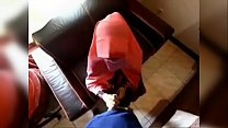 Image: فيلم إمراتي ديوثي يصور وهو يفشخ خرق زوجته المربربه