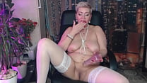 Mature Dirty Slut Pounds Her Cunt And Ass With
