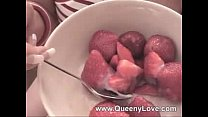 Queeny- Strawberry preview image