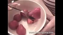 Queeny- Strawberry Vorschaubild