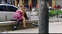 Casal é flagrado transando (Gomes Freire) / Couple having sex in downtown Rio.