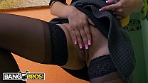 10940 BANGBROS - Peter Green Ain't Got Money For A Deposit, So Evie Olson Helps Him Out preview