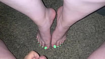 Cum on beautiful sexy feet (GreenToes)