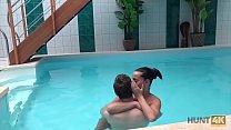 HUNT4K. Aventures sexuelles dans une piscine pr...