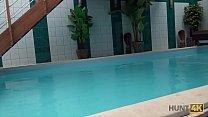 HUNT4K. Aventures sexuelles dans une piscine privée - download porn videos