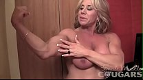 Mature Female Bodybuilder Poses and Masturbates Vorschaubild