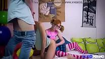vidio crot ~ Elles sont lesbiennes mais aiment jouer avec une bite [Full Video] thumbnail