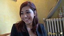 Selina veut découvrir le monde du X à seulement 19 ans - download porn videos