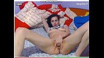 Tarfa beata se masturbeaza la webcam