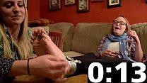 Delicious amateur teen feet bound and worshipped: Corinna & Delaney Vorschaubild