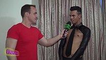 Garçom de Jockstrap, Vanderson Ferreira mostra a nova forma de sensualizar