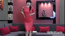 Super hot brunette posing at TryLiveCam.com Thumbnail