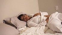 Desi Bhabi fucks herself in bed