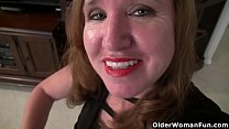 American milf Terri gets highly aroused in nylon pantyhose