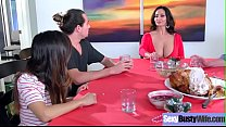 Sex Tape With Hot Big Juggs Housewife (Ava Adda...